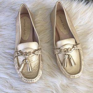 Antonio Melani loafers gold size 9 New